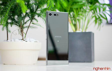 Can canh Sony Xperia XZ Premium: dep tinh te va ca tinh - Anh 1