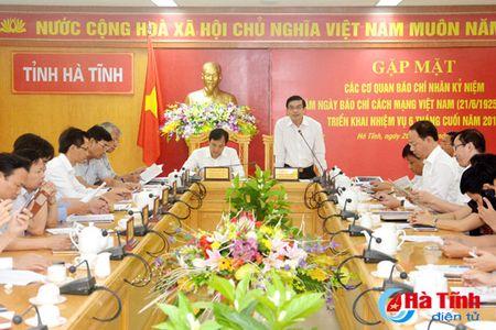 Bao chi tiep tuc thuc hien dung ton chi, muc dich, gop phan dinh huong du luan - Anh 1