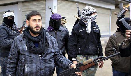 Khung bo o Dara'a san sang ha vu khi dau hang quan doi Syria - Anh 1