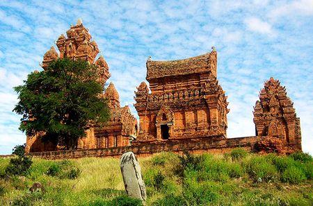 Mot Ninh Thuan day nang gio, hut hon du khach boi nhung diem den dep 'xuat sac' - Anh 7