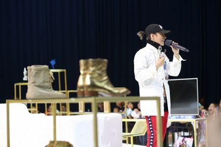 Mong doi gi tu Fan meeting 'khung' voi 5000 fan cua Son Tung vao thang 7 toi? - Anh 7