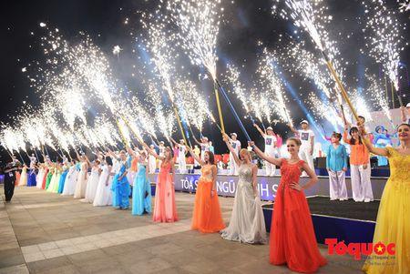 My Linh se hat ve 'hanh tinh xanh' trong dem chung ket DIFF 2017 - Anh 1