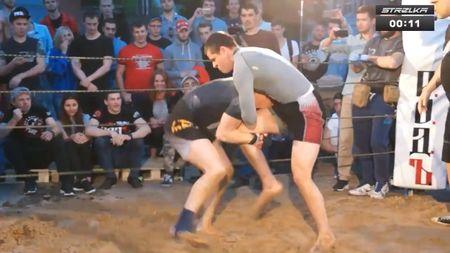 Mat 50 giay, cau thu rugby danh guc vo si MMA - Anh 2