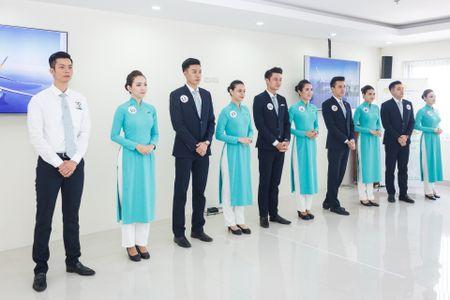 Xem tiep vien Vietnam Airlines dua sac, tranh tai - Anh 6