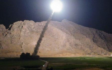 Clip ten lua Iran vuot ranh gioi tan cong khung bo o Syria - Anh 1