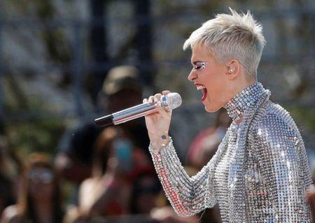 Katy Perry lam nen lich su Twitter voi 100 trieu nguoi theo doi - Anh 1