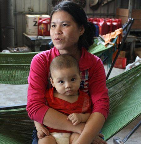 Chuyen nguoi tho Campuchia che tao may bay canh quat day dam me - Anh 4