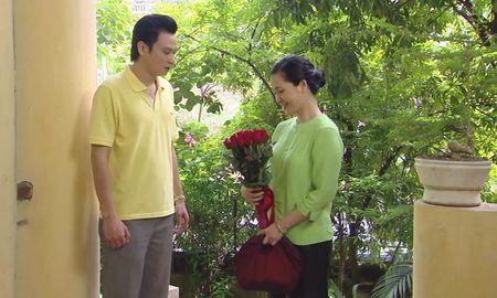 Me chong Lan Huong khong con lo ra duong bi 'nem da' trong 'Giao mua' - Anh 3