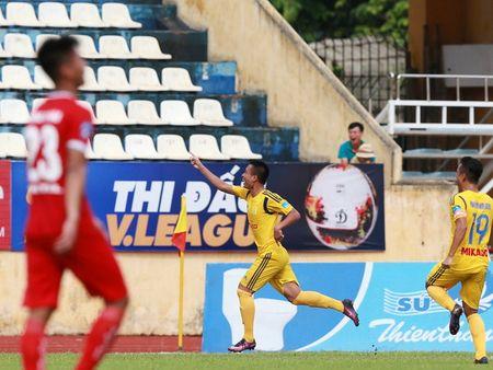 Nam Dinh thang hang V-League sau tran 'dai chien' voi Viettel - Anh 1
