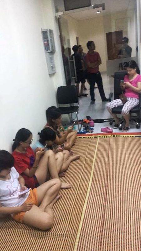 Cang thang tiep tuc leo thang tai Capital Garden Truong Chinh - Anh 4