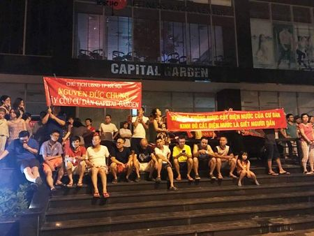 Cang thang tiep tuc leo thang tai Capital Garden Truong Chinh - Anh 7