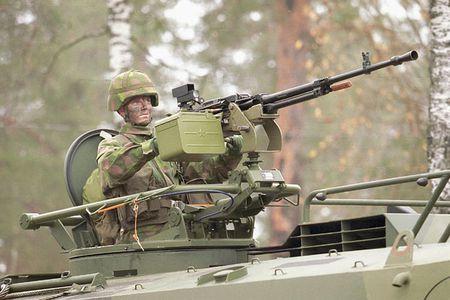 Ngac nhien: Viet Nam che tao vu khi phu xe tang T-90S - Anh 9