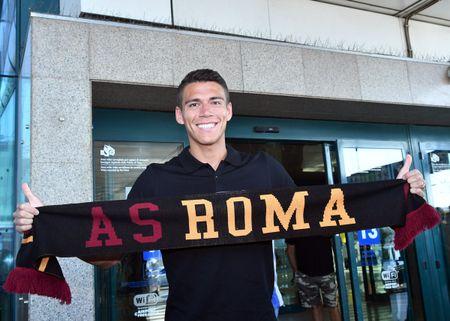 AS Roma ra mat 'hung than' cua Man Utd - Anh 2