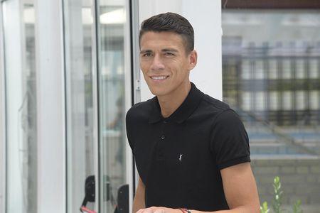 AS Roma ra mat 'hung than' cua Man Utd - Anh 5
