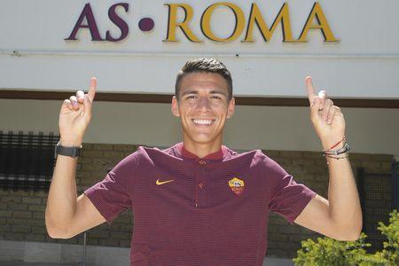 AS Roma ra mat 'hung than' cua Man Utd - Anh 8