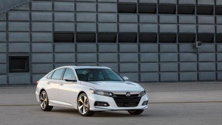 Honda Accord 2018 co gi de 'dau' Toyota Camry 2018? - Anh 2