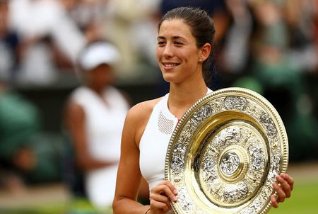 Thang Venus nhanh va de dang, Muguruza dang quang Wimbledon 2017 - Anh 1