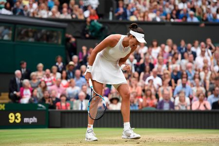 Thang Venus nhanh va de dang, Muguruza dang quang Wimbledon 2017 - Anh 3