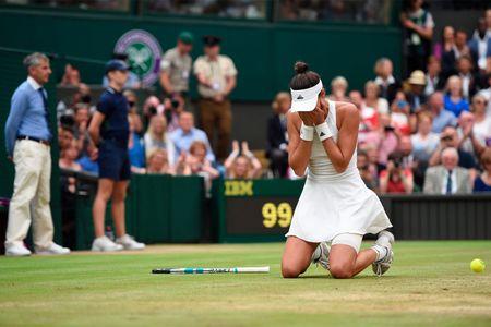 Thang Venus nhanh va de dang, Muguruza dang quang Wimbledon 2017 - Anh 4