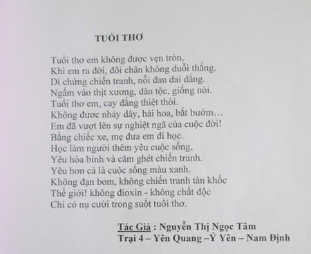 Nghi luc phi thuong cua co giao xuong thuy tinh hon 10 nam day hoc mien phi - Anh 3