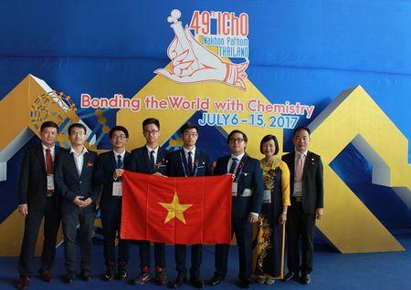 Ca 4/4 thi sinh Viet Nam deu doat Huy chuong Olympic Hoa hoc quoc te - Anh 1