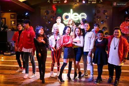 Angela Phuong Trinh mang bau voi host The Face Huu Vi - Anh 5
