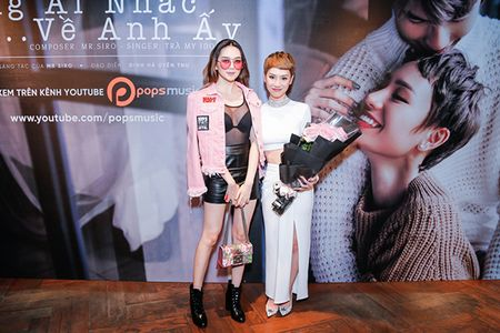 Ha Tang va dan sao Viet hao hung chuc mung MV moi cua Tra My Idol - Anh 12