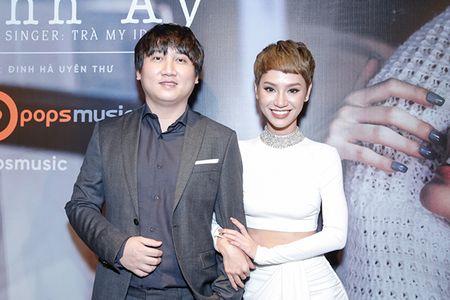 Ha Tang va dan sao Viet hao hung chuc mung MV moi cua Tra My Idol - Anh 13