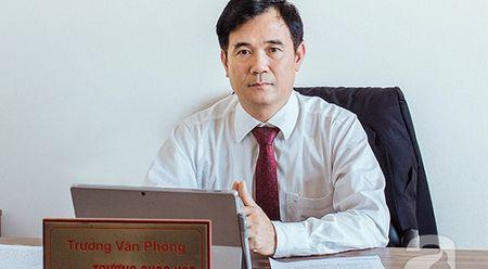 Luat su Truong Quoc Hoe: 'Nen de ngan hang giu giay to goc khi mua o to tra gop' - Anh 1