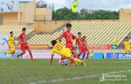 U13 SLNA dung buoc tai ban ket sau loat 'dau sung' may rui - Anh 1