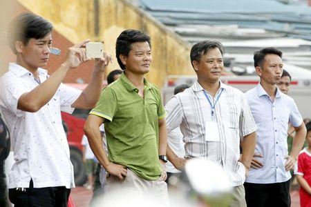 Nam Dinh thang hang V-League, san Thien Truong 'no tung' - Anh 3