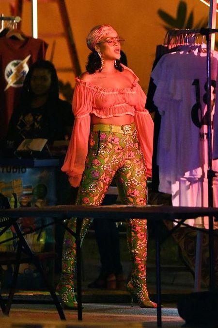 Gu thoi trang dieu da, nu tinh cua Rihanna 'don tim' phai manh - Anh 3