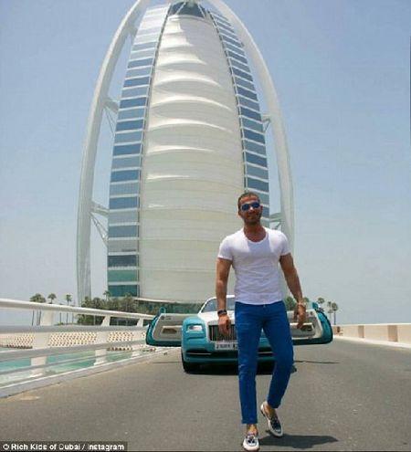 Phat them voi du thuyen, sieu xe cua con nha giau Dubai - Anh 6
