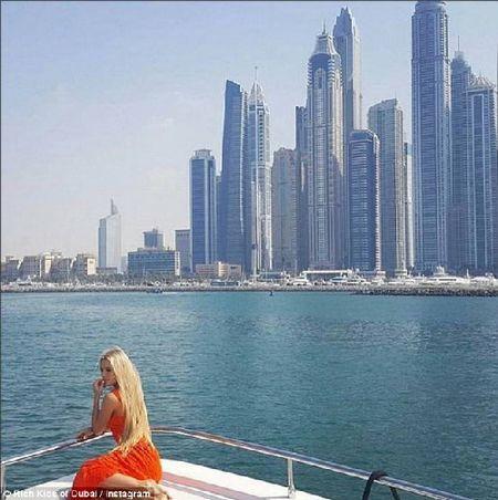 Phat them voi du thuyen, sieu xe cua con nha giau Dubai - Anh 7