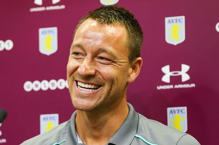 Vua toi Aston Villa, John Terry da duoc lam thu quan - Anh 1