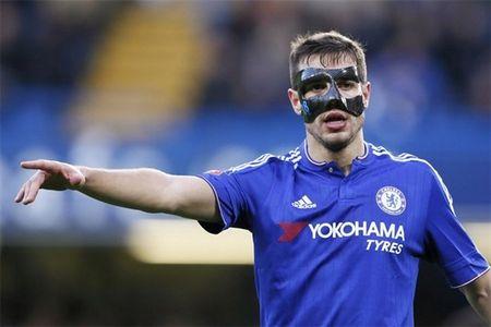 Bakayoko va doi hinh 'mat na' cua Chelsea - Anh 5