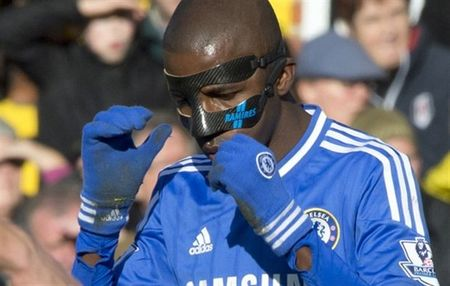 Bakayoko va doi hinh 'mat na' cua Chelsea - Anh 8
