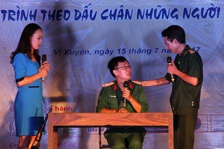 'Noi am ap trai tim' – chuong trinh tri an nhung anh hung - Anh 11