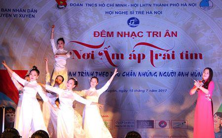 'Noi am ap trai tim' – chuong trinh tri an nhung anh hung - Anh 8