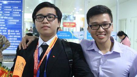 Ba chang trai Vang Hoa hoc: Qua nhieu bat ngo va dac biet - Anh 3