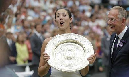 Thang de 'lao ba' Venus Williams, Muguruza vo dich Wimbledon 2017 - Anh 1