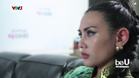 Vietnam's Next Top Model: Het thi sinh den giam khao mau thuan, cai va vi benh hoc tro - Anh 1