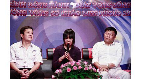 Co gai tung la hoa khoi xom bi chong tuoi xang dot ke ve khat khao song - Anh 1