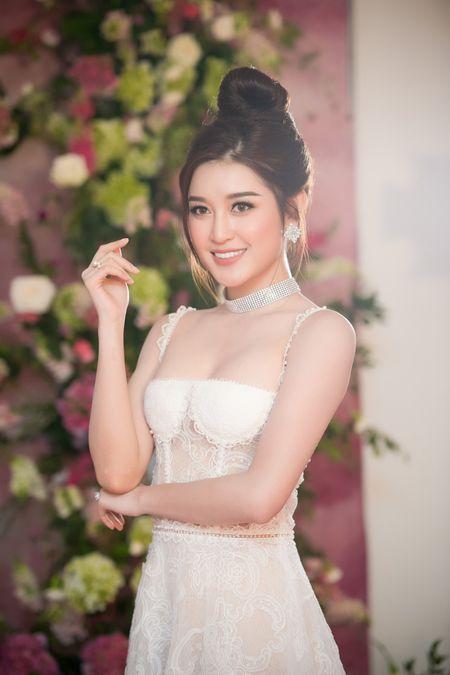 Huyen My: 'Toi tu tin lot top 3 Hoa hau Hoa binh The gioi 2017' - Anh 1