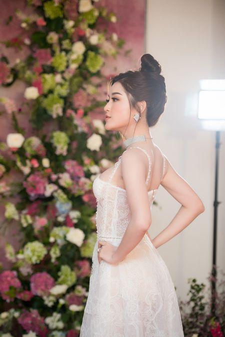 Huyen My: 'Toi tu tin lot top 3 Hoa hau Hoa binh The gioi 2017' - Anh 2