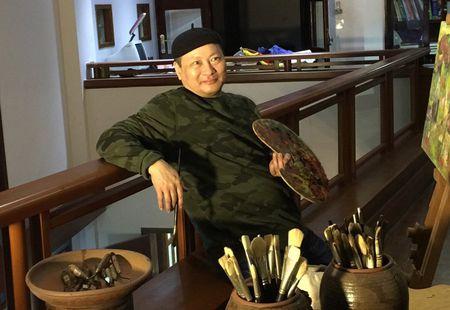Hoa si Ngo Xuan Binh va su dot pha cho tranh son mai truyen thong - Anh 1