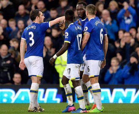 Aubameyang va nhung diem den tiem nang nhat: Chelsea vuot mat tat ca - Anh 2