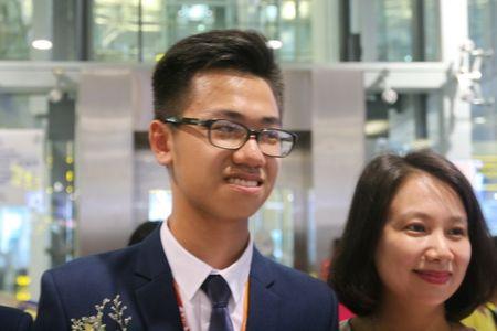 Hotboy truong Ams doat huy chuong vang Olympic Hoa hoc - Anh 1