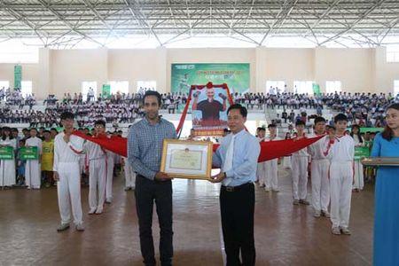 Vong chung ket Giai bong da Hoi Khoe Phu Dong - Anh 1