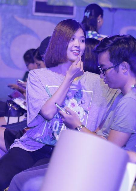 Suni Ha Linh ho het doi Shane Filan tiep tuc hat khi show ket thuc - Anh 1